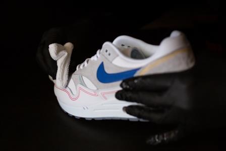 Vlekken uit sneakers krijgen? | De Sneaker Reiniger adviseert