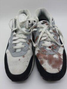 bloed sneakers vies